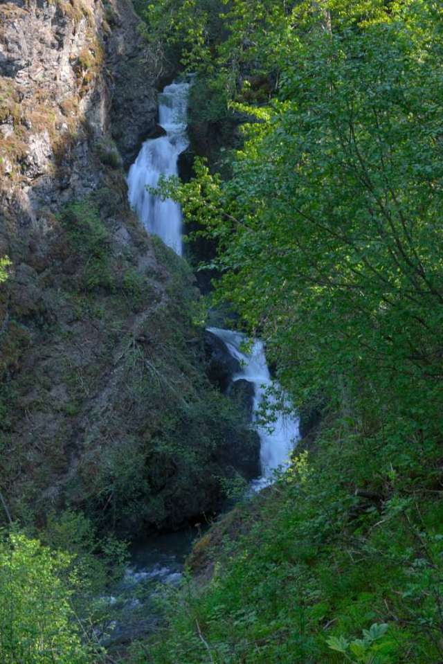 Thunderbird waterfalls
